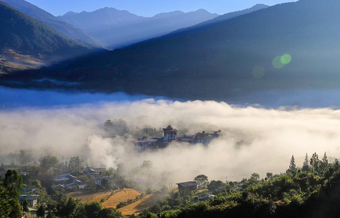 Có phải ai cũng tìm thấy hạnh phúc ở Bhutan? - Ảnh 2.