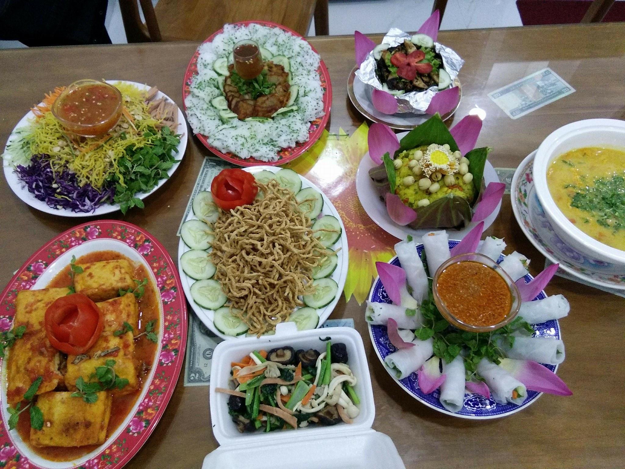 nha-hang-chay-tiec-cung1