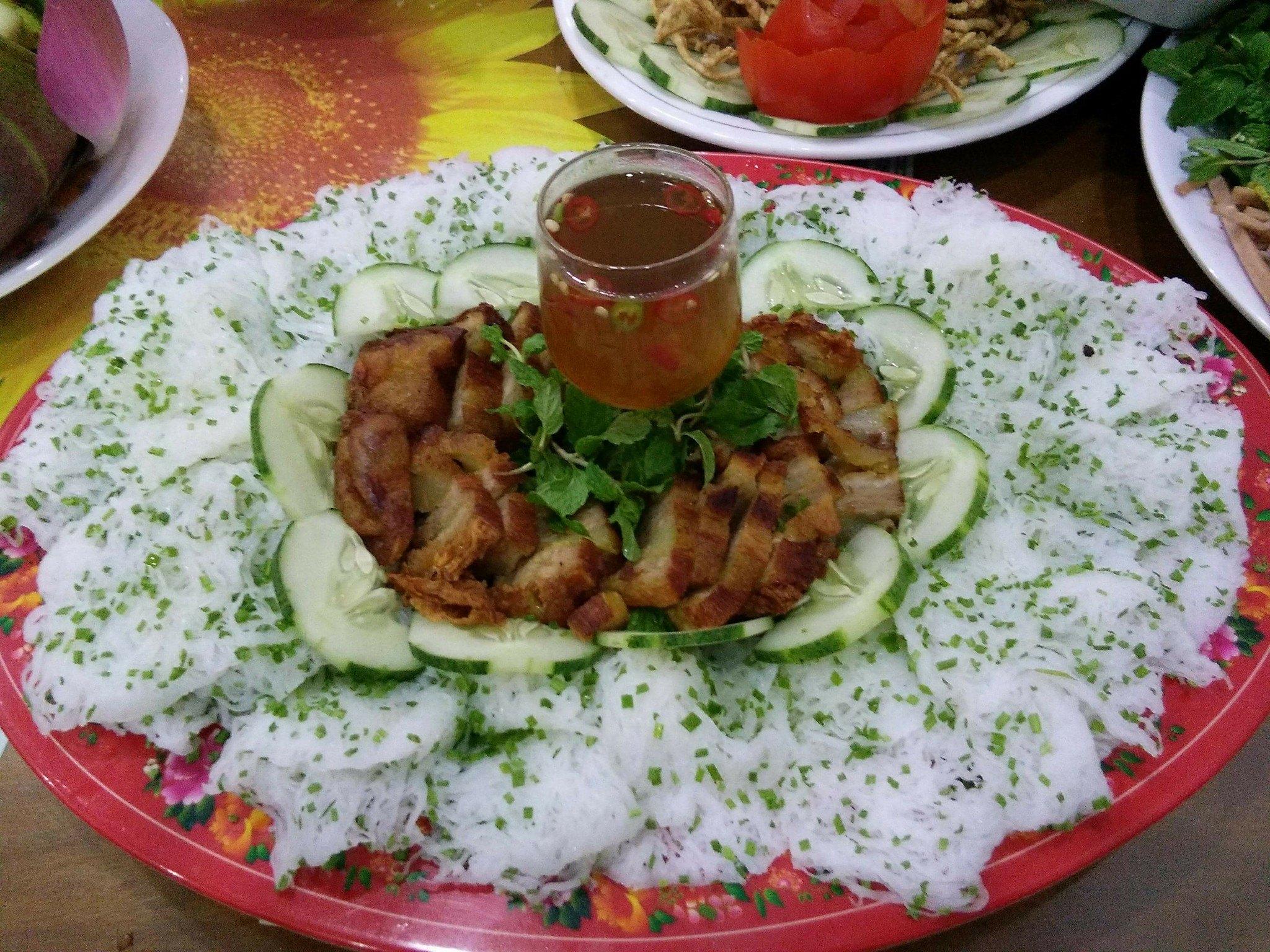 nha-hang-chay-tiec-cung2